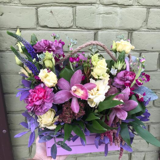 Композиция с орхидеей