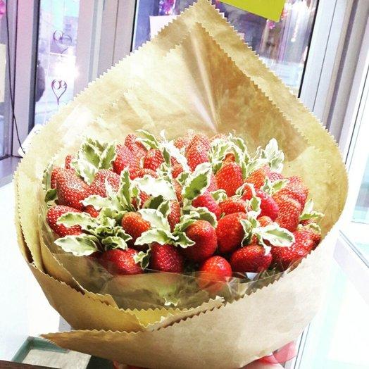 Мммммклубничка: букеты цветов на заказ Flowwow
