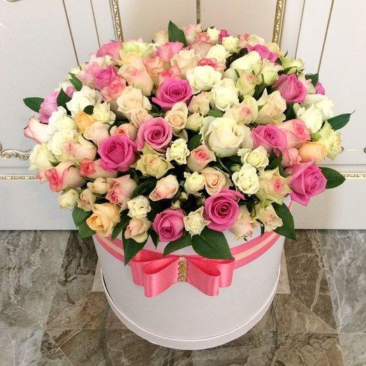 Коробка с местными розами