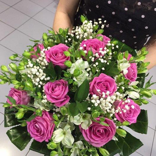 """""""Трепетная нежность"""". Букет роз и альстромерий: букеты цветов на заказ Flowwow"""
