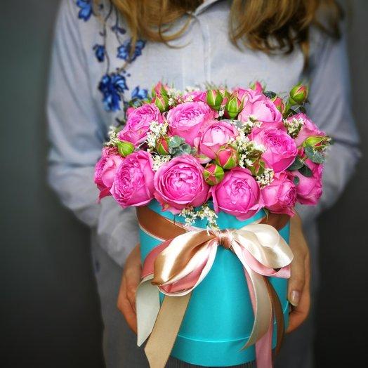 Шляпная коробка с пионовидными розами: букеты цветов на заказ Flowwow