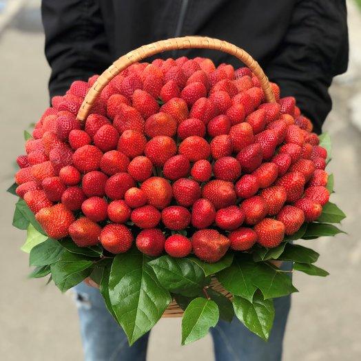 Корзина. Клубника. 3 кг. N127: букеты цветов на заказ Flowwow