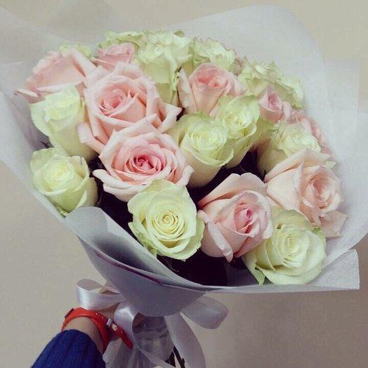 Розово-белые розы: букеты цветов на заказ Flowwow