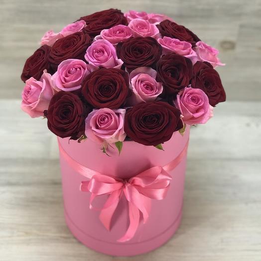 Розовая коробка из роз: букеты цветов на заказ Flowwow