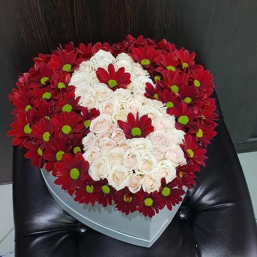 Коробочка 8 марта: букеты цветов на заказ Flowwow