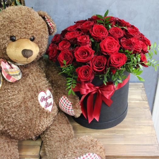 """Коробка красных роз """"Огоньки"""""""