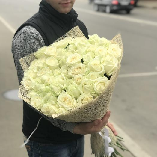 Белые розы в букете: букеты цветов на заказ Flowwow
