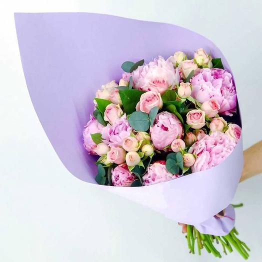 Пионы и кустовая пионовидная роза: букеты цветов на заказ Flowwow