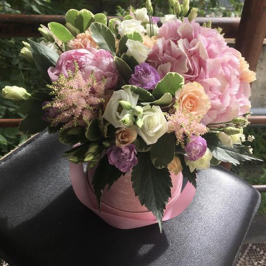 Шикарный букет в бархатной коробке: букеты цветов на заказ Flowwow