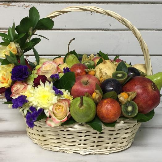 "Фруктово-цветочная корзина ""Таити"": букеты цветов на заказ Flowwow"