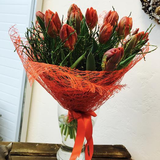 Фан-фан тюльпан: букеты цветов на заказ Flowwow