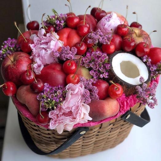 Корзина цветов и форуктов  «Летний сад»