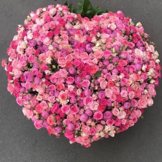 Кустовая роза микс в корзине