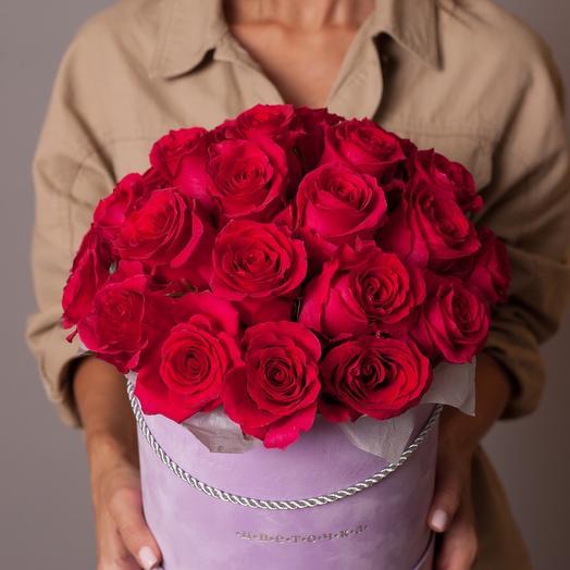 Шляпная коробка с малиновыми розами