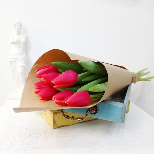 Семь красных тюльпанов 50см