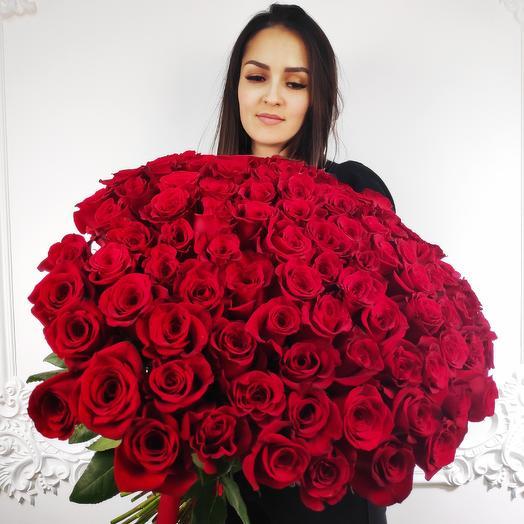 Букет из 101 розы Эквадора 50 см(коробка конфет в подарок, условие в описании)