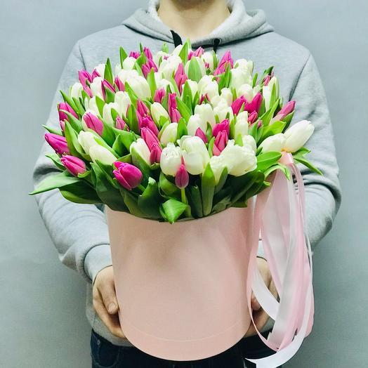 Нежная коробка тюльпанов