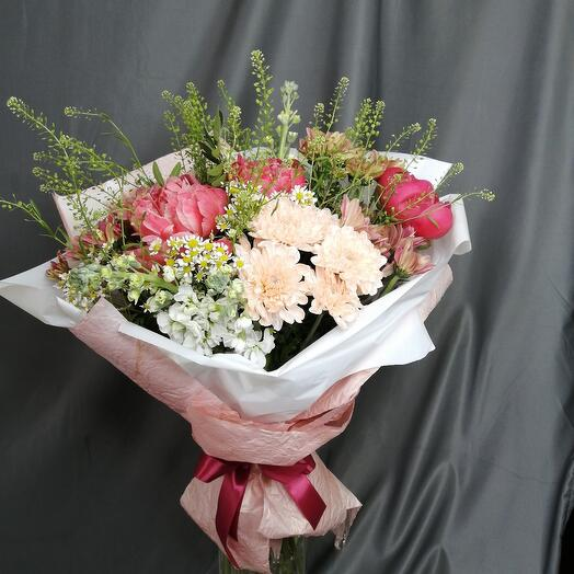 Bouquet with peonies and daisies