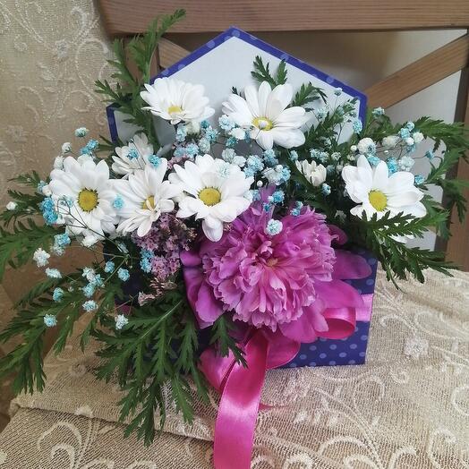 Письмо из живых цветов