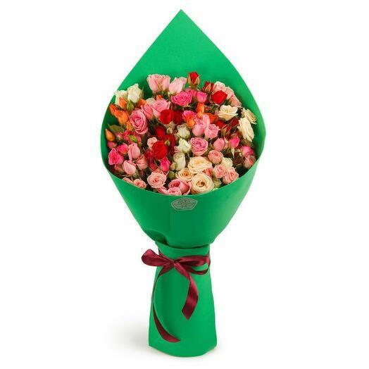 Букет 21 кустовая роза в фоамиране