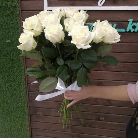 Розы белые 15 шт