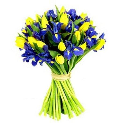 Букет тюльпанов и ирисов: букеты цветов на заказ Flowwow