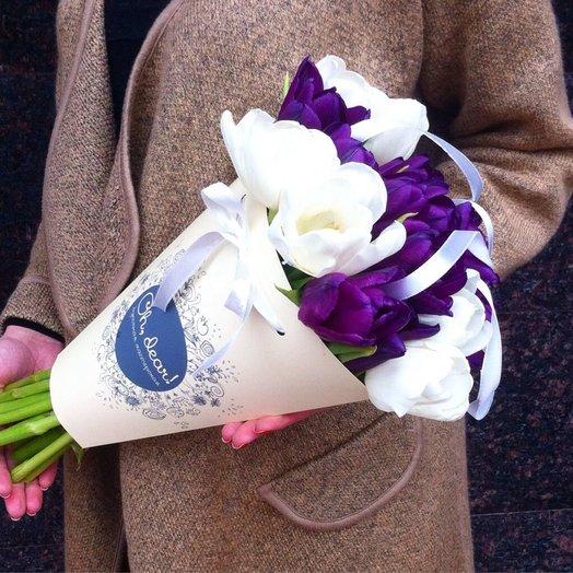 Букет в конверте из тюльпанов: букеты цветов на заказ Flowwow