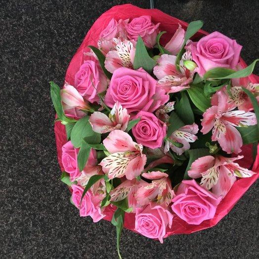 Букет из розовых роз и альстрамерии): букеты цветов на заказ Flowwow