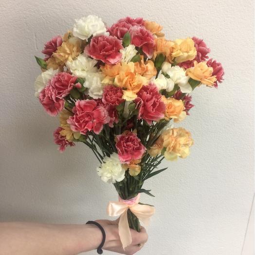 Букет из 21 разноцветной гвоздики: букеты цветов на заказ Flowwow