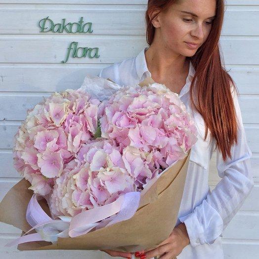 3 розовые гортензии: букеты цветов на заказ Flowwow