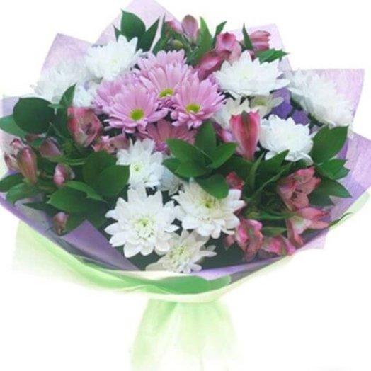 Букет из хризантем и зелени: букеты цветов на заказ Flowwow