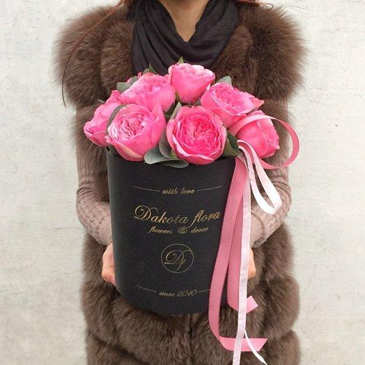 Пионовидные розы в стильной коробочке: букеты цветов на заказ Flowwow