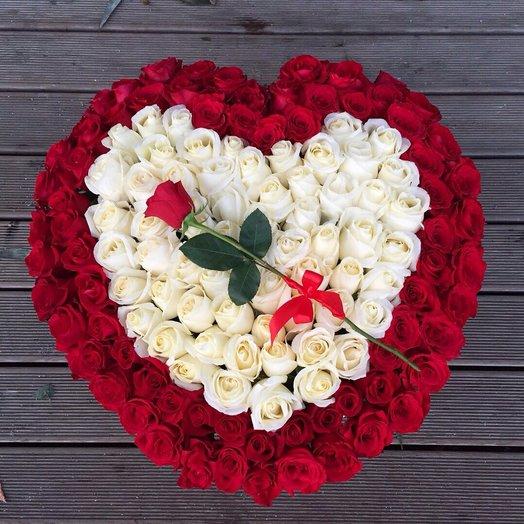 Большое сердце из роз. 131 роза: букеты цветов на заказ Flowwow