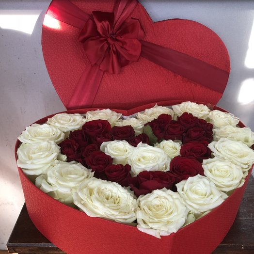 Красно-белое сердце
