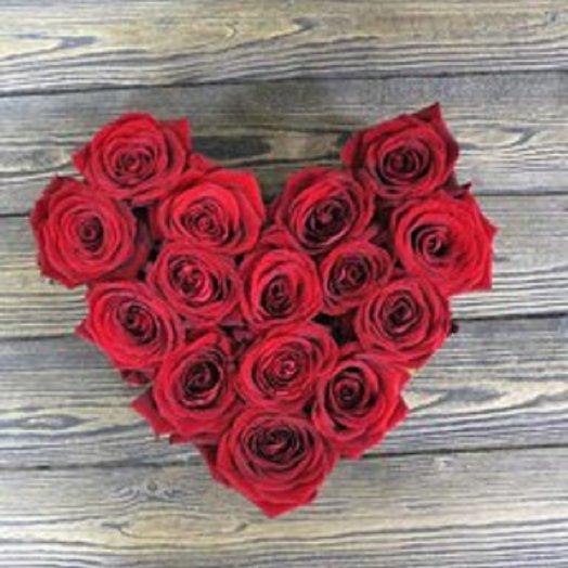 Сердце из красных 15 роз: букеты цветов на заказ Flowwow