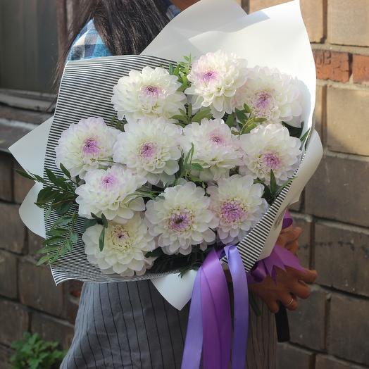 Букет из 11 георгин: букеты цветов на заказ Flowwow