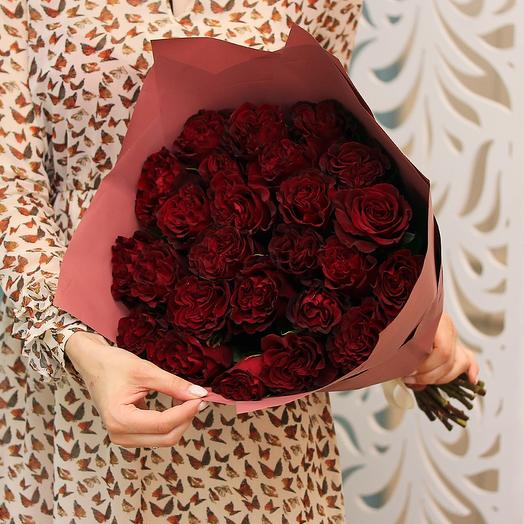 Букет из 25 красных роз 50 см (Эквадор) в матовой пленке