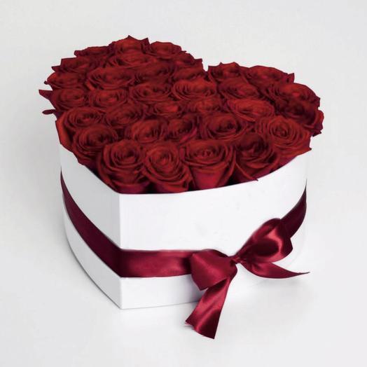 """красные розы в коробке """"Криста"""""""