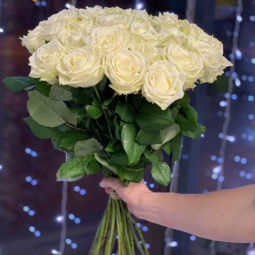 Букет из 21 белой высокой Розы