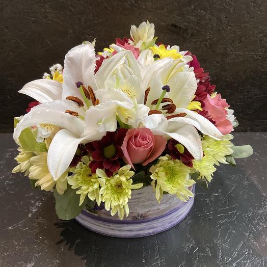 Композиция из лилии,хризантемы,Розы: букеты цветов на заказ Flowwow