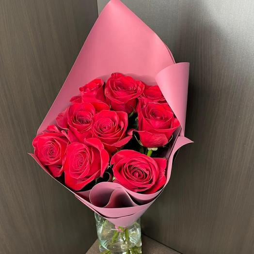 Роза (Эквадор) 70 см 9 шт в упаковке