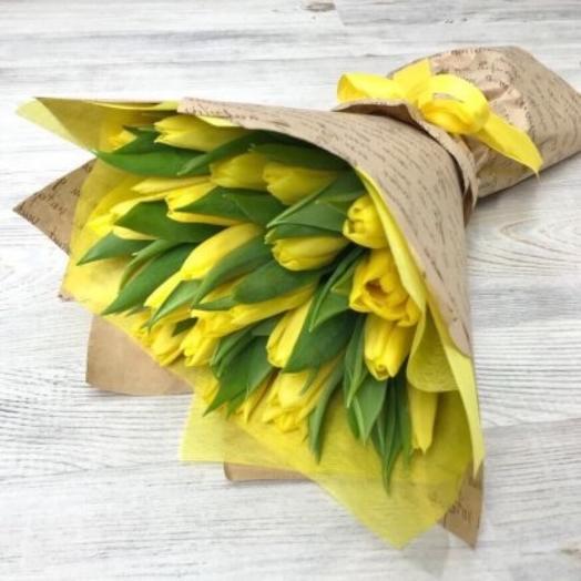 25 желтых тюльпана
