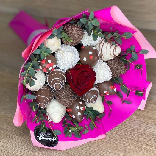 "Strawberry bouquet "" Yagodka»"