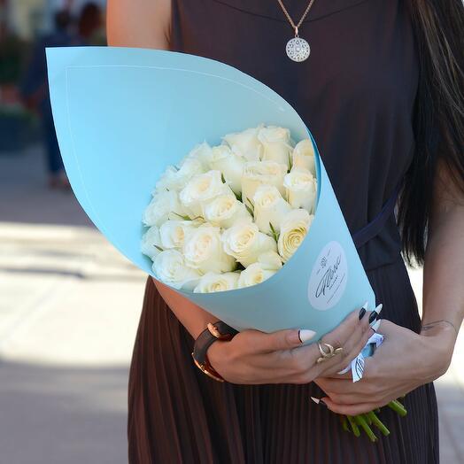 21 белая роза White Kenya BLUE