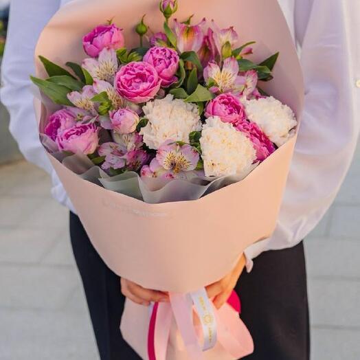 Розово-белый букет для учителя