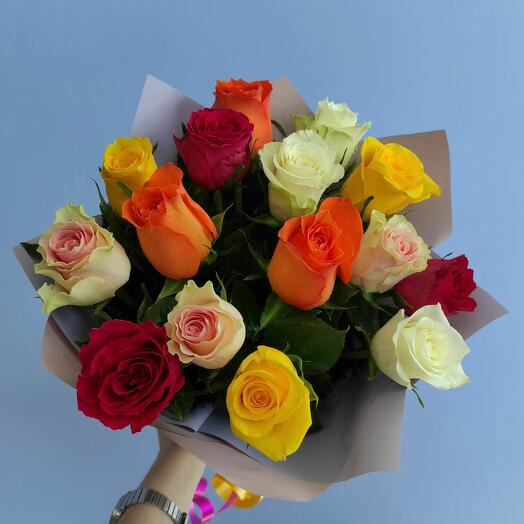 Милый букет-комплимент из 15 кенийских роз