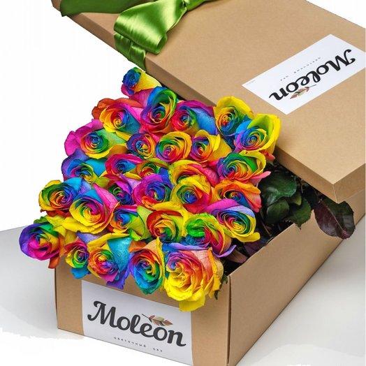 31 радужная роза (70 см) в подарочной коробке