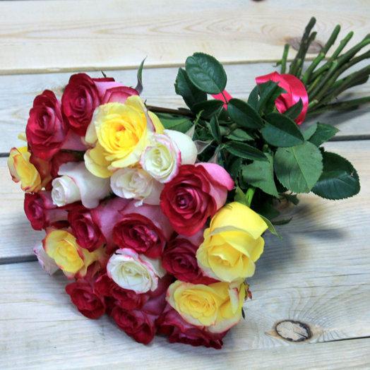 Яркие эмоции: 25 роз: букеты цветов на заказ Flowwow