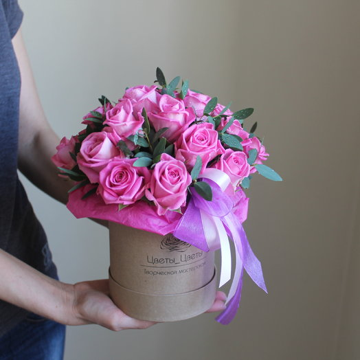 """Розы в шляпной коробке """"Аква"""""""