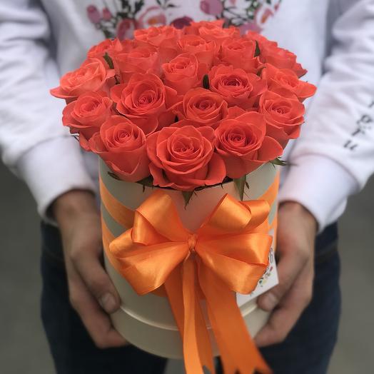 Коробки с цветами . Оранжевая роза 19 шт. N250: букеты цветов на заказ Flowwow